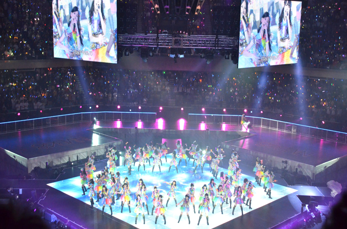 akb0048-at-nippon-budokan-japan